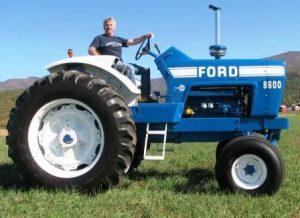 tn_1200_CHRIS_STUFF_026_ford_tractor-448x325.jpg